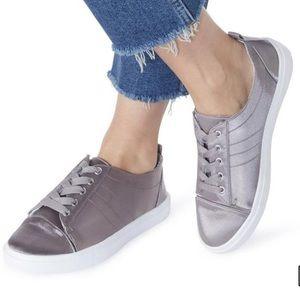 Head over heels Dune silver satin Eisha sneaker 39